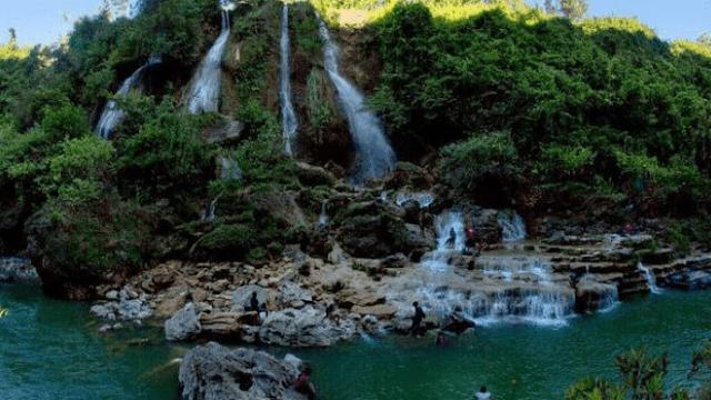 Objek Wisata Air Terjun Sri Gethuk