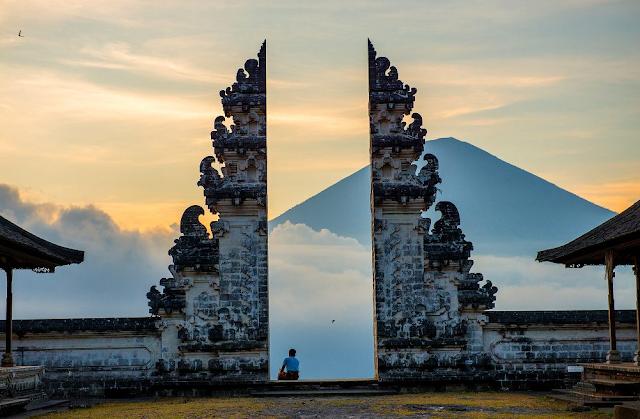 Pura Lempuyangan Luhur, Pura Tertinggi di Bali